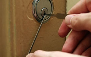 Door locks Raynes Park